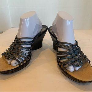 SOFFT brand blue/grey comfy wedge sandal never worn size 11-11.5 tan footbed